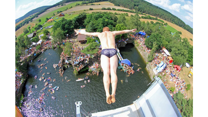 Cliff-Diving Training in Tirol