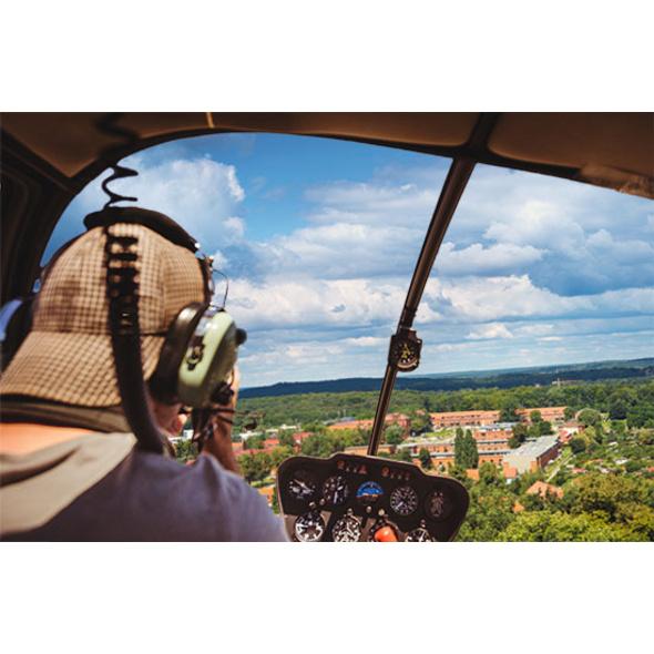 Schloesser-Rundflug im Hubschrauber über Potsdam